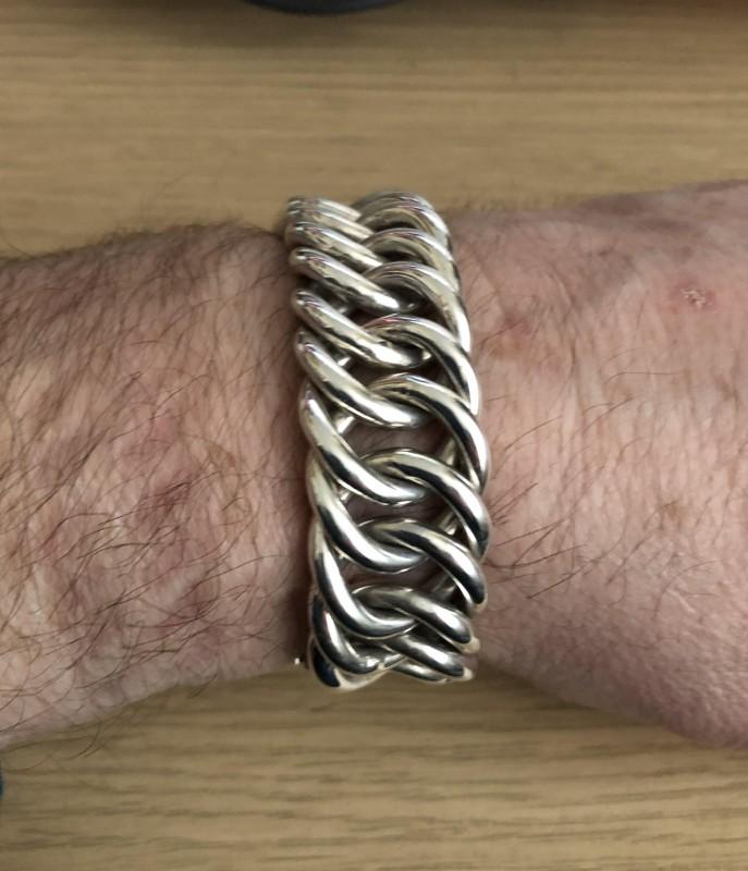 Julian-hoop-bracelet-1