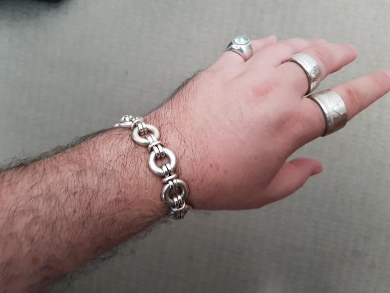 hoop-link bracelet