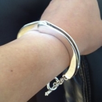 handcuff-bracelet-t-bar-2-225x300