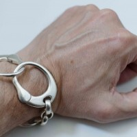 peter.m_handcuff-bracelet