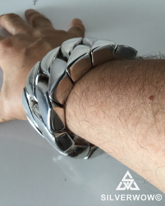 POV Picture of a 1KG Bracelet for Men | BY Silverwow